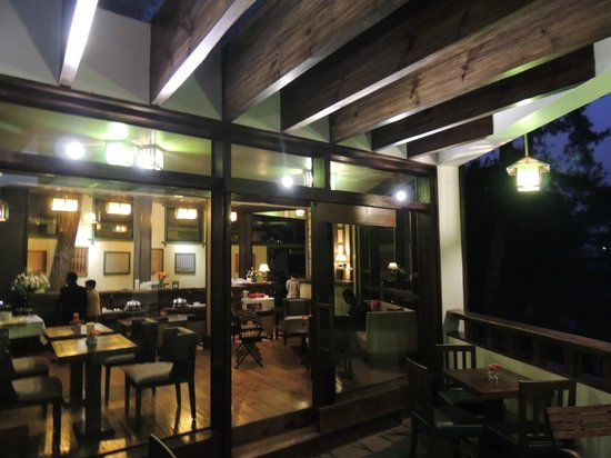 Cafe Shillong HERITAGE : Ambience