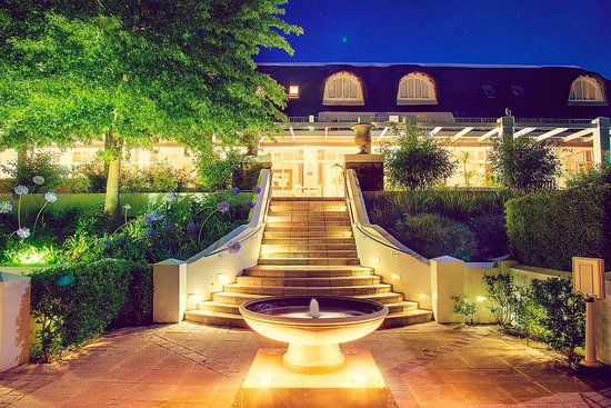 Le Franschhoek Hotel & Spa: Night View