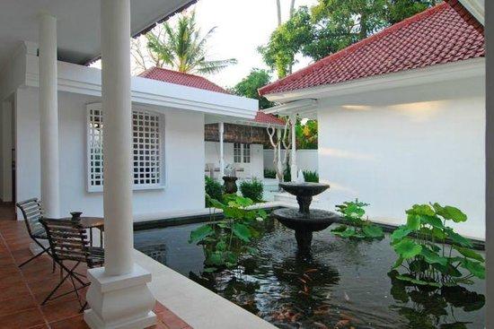 Kolonial House: pond