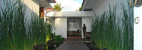 Kolonial House: front