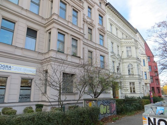 Grand Hostel Berlin : View from the street