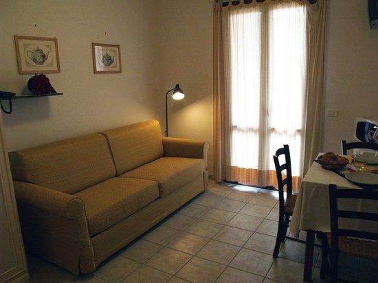 Residence Teclini: Il comodo divano letto