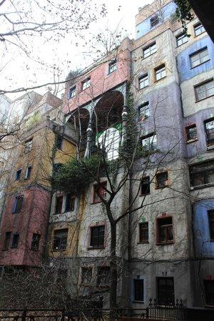 Hundertwasserhaus: Facciata 3