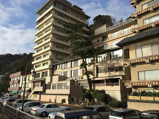 Hokkawa Onsen Hotel: ホテル外観 高い建物の11階が大浴場、屋上露天風呂あり