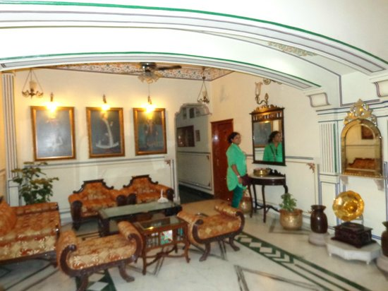 Umaid Bhawan Heritage House Hotel : Drawing Area