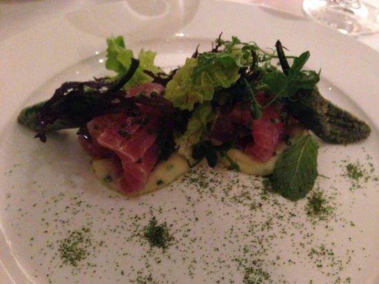 Sein: Thunfisch (roh) auf Kartoffelstock