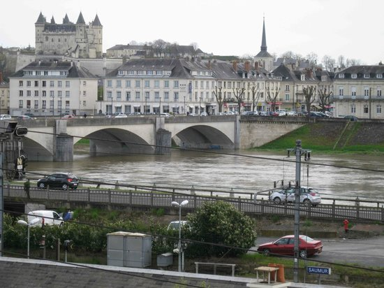 Ibis Styles Saumur Gare Centre : View from single room