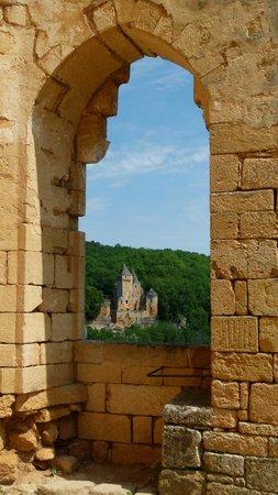 Château de Commarque : superbe vue sur Laussel