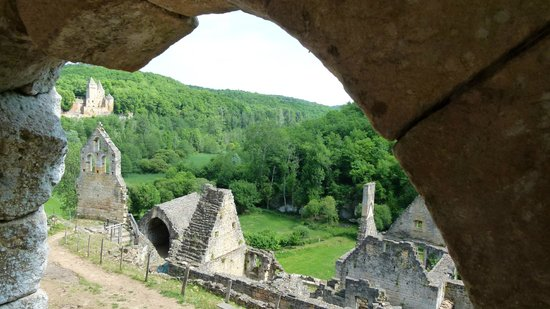 Château de Commarque : tout ceci était caché par la forêt