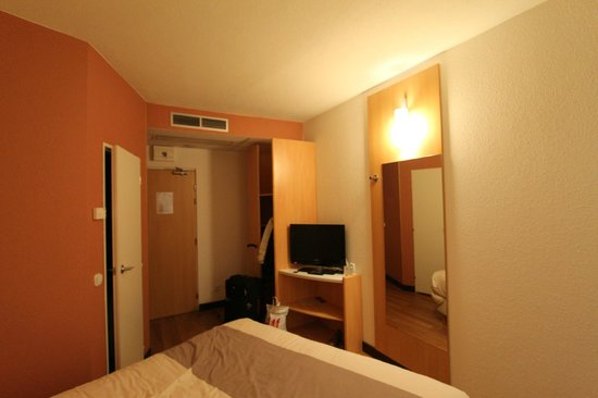 Ibis Bratislava Centrum: The room. Clean and light.