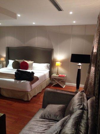 Luxury Suites : Amplias y cómodas habitaciones