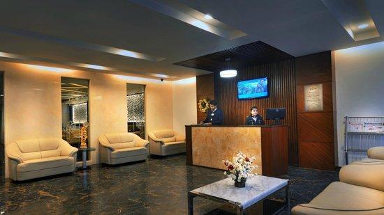 Hotel Dazzle: Lobby
