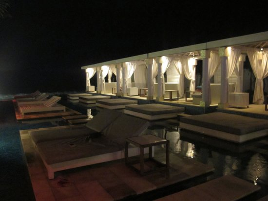 Lv8 Resort Hotel: Relaxing Tent