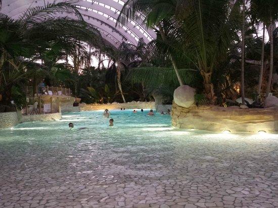 Center Parcs - Domaine des Trois Forets : Piscine magnfique