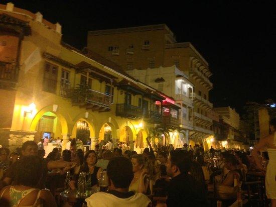 Donde Fidel Salsa Club: luz magia y salsa