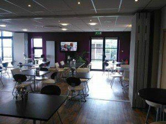 Multiflight Cafe: Inside the cafe