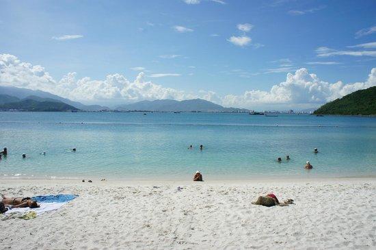 Vinpearl Nha Trang Resort : Пляж в аквапарке