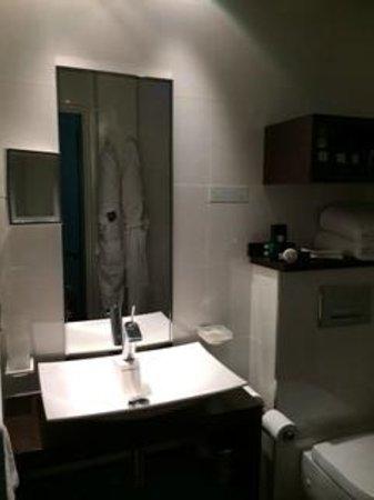 Grand Hotel Saint-Michel: Bathroom