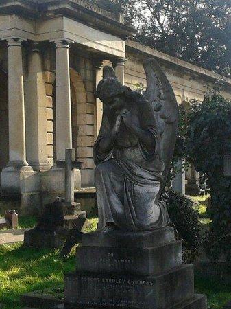 Brompton Cemetery: gen2014