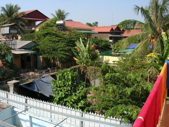 Bunlinda Hostel: view from terrace