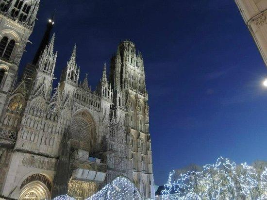 Cathedrale Notre-Dame de Rouen: Cattedrale a Natale