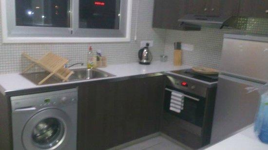 Napian Suites: Kitchen