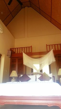 Baan KanTiang See Villa Resort (2 bedroom villas): bed room
