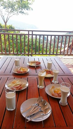 Baan KanTiang See Villa Resort (2 bedroom villas): our home made breakfast