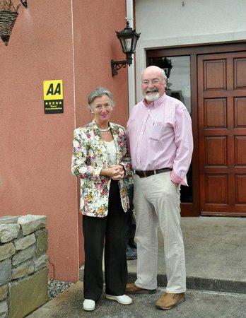 Seasons Lodge: Dermot & Alannah your hosts