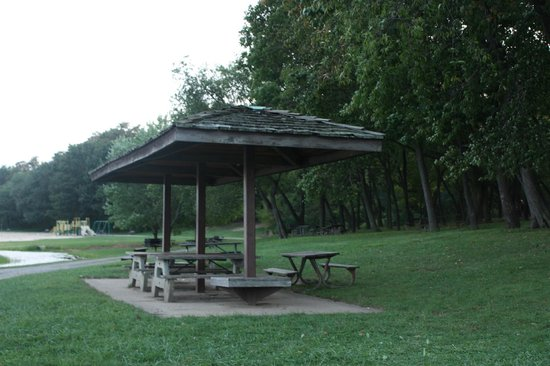 Round Valley Recreation Area: Rest area