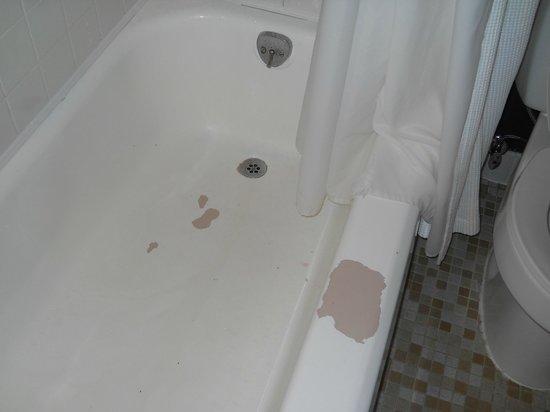 Moda Hotel: La vasca del bagno