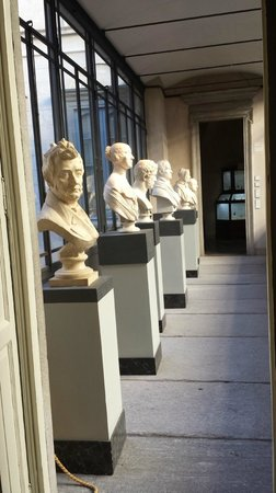 Palazzo Morando : I busti