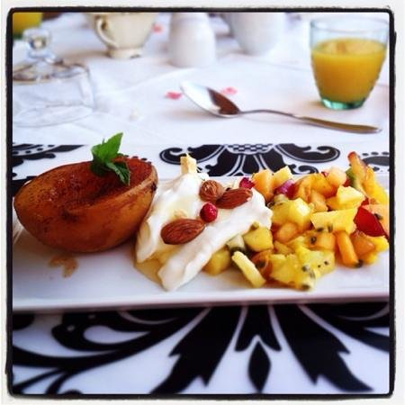 Vineyard Country House: Lovingly prepared breakfast with exquisite attention to detail