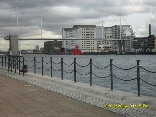 Ibis London Excel Docklands : River