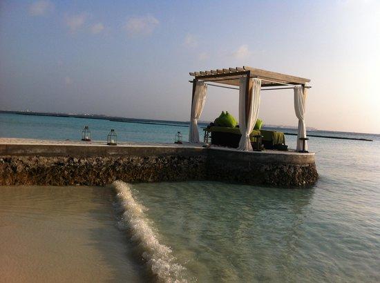 Veli Spa at Kurumba Maldives: massage under the stars