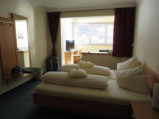Hotel Sonnenheim: letto comodo