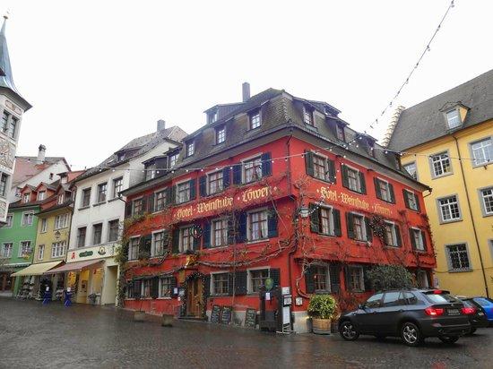 Loewen: The restaurant