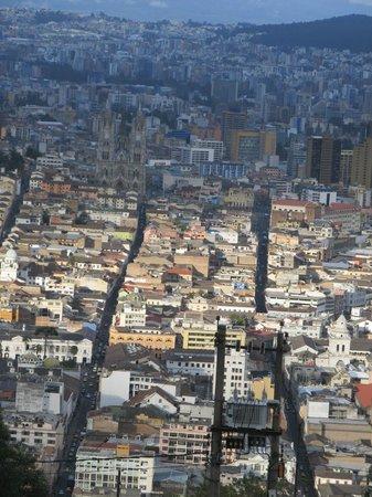 Vista do centro histórico de Quito a partir do El Panecillo