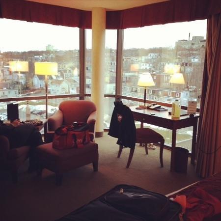 Delta St. John's Hotel and Conference Centre: corner room