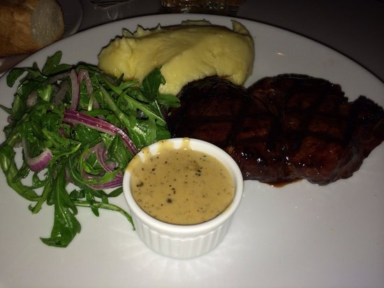 Waterbar & Grill Steakhouse: ランプ肉のステーキ