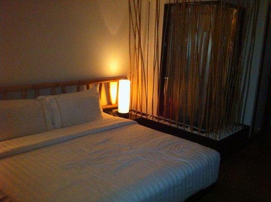Bamboo House Phuket : Zimmer