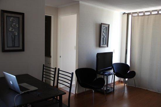 Chileapart: sala com quarto ao fundo