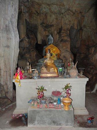 Kaeng Lawa Cave : Lava cave