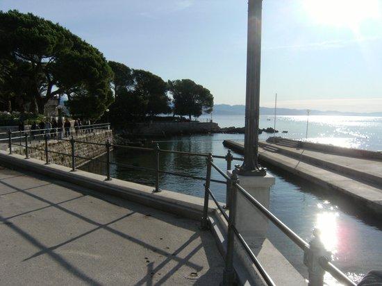 Hotel Milenij: Vista da área do hotel