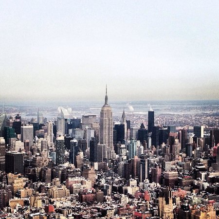 Zip Aviation - Helicopter Tours & Charters : NYC skyline. Helicopter view.