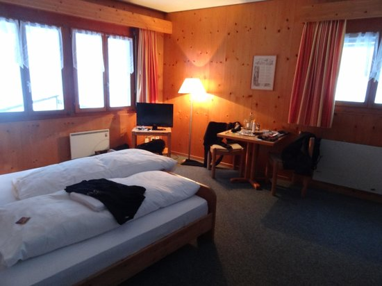 Hotel-Restaurant Banklialp: chambre d'angle