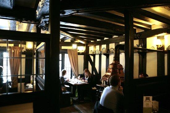 Stokes High Bridge Cafe: 1st floor restaurant