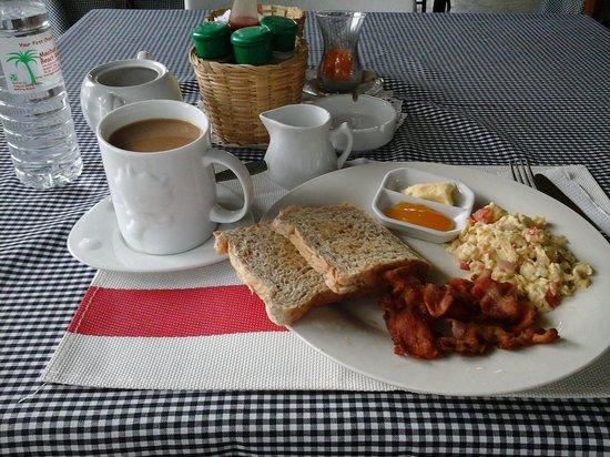 Moalboal Beach Resort: Breakfast