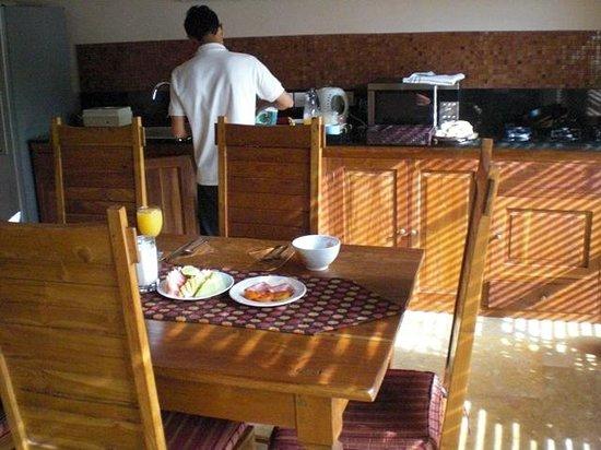 Ajanta Villas : 朝食