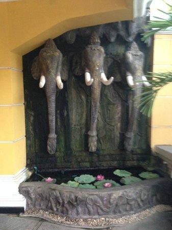 Terrasse des Elephants: Restaurante